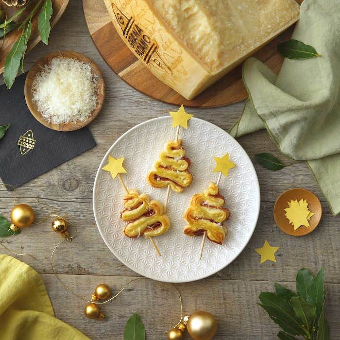 Puff pastry Christmas trees with ham and Grana Padano