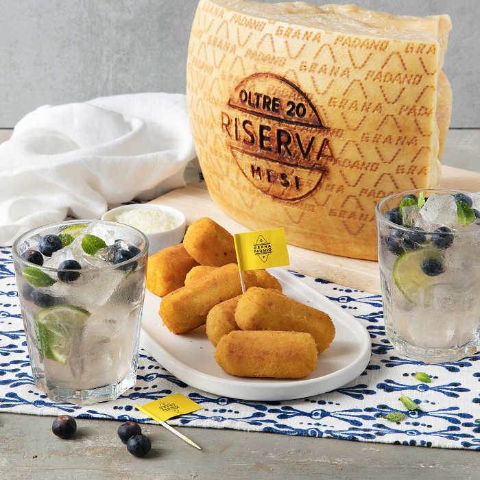 Blueberry Mojito and Grana Padano Riserva Croquettes
