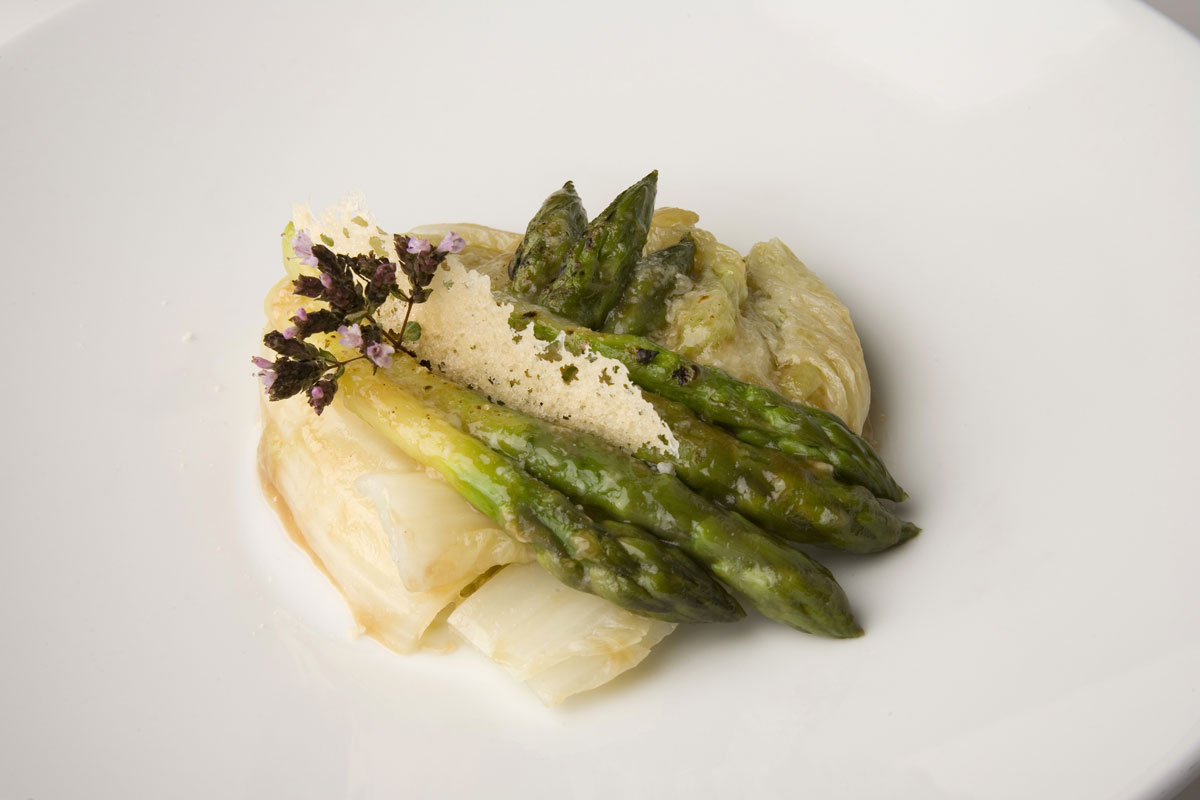 Braised Chinese cabbage with asparagus au gratin with Grana Padano