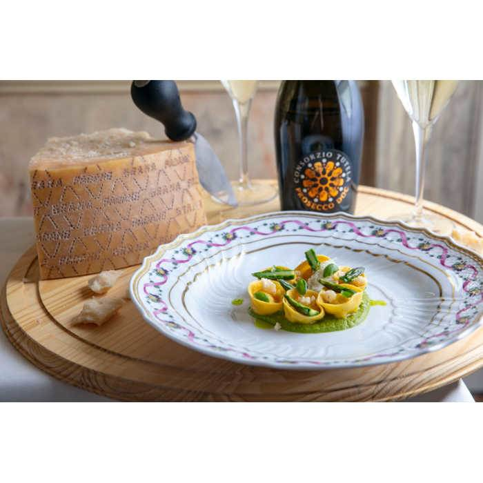 Cappelletti with DOC Prosecco and Grana Padano Sabayon