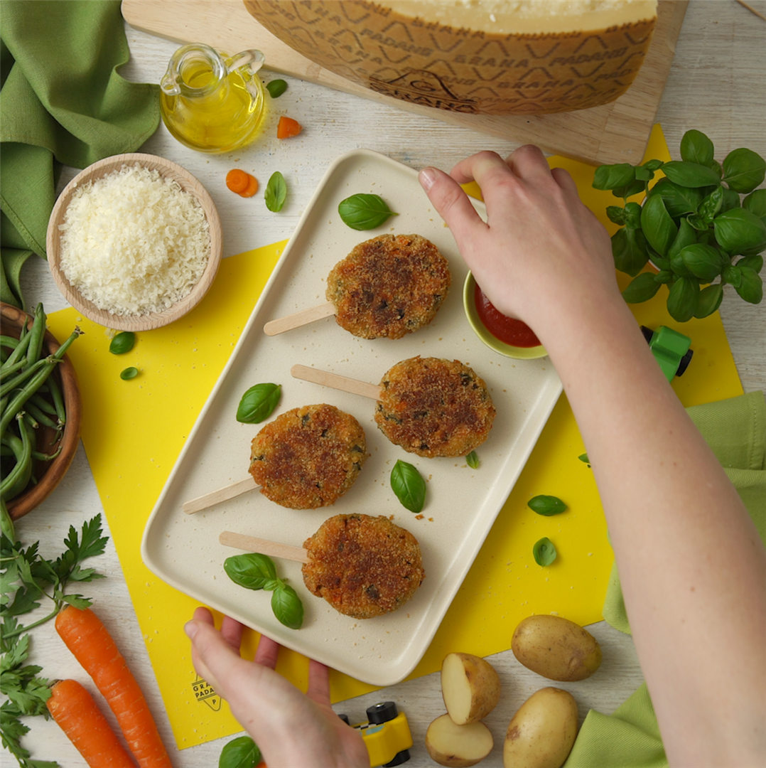 Carrot, green bean and basil patties with Grana Padano
