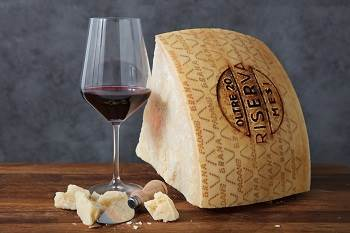 Which wines should accompany Grana padano?