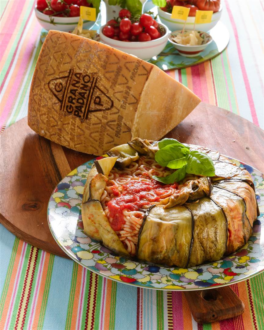 Timballo of pasta with eggplants
