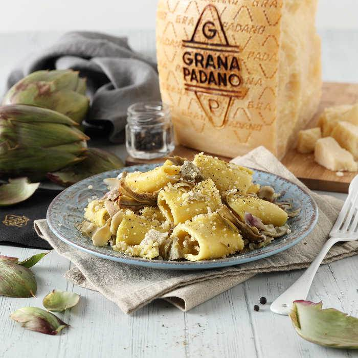 Paccheri with Grana Padano, pepper and artichokes