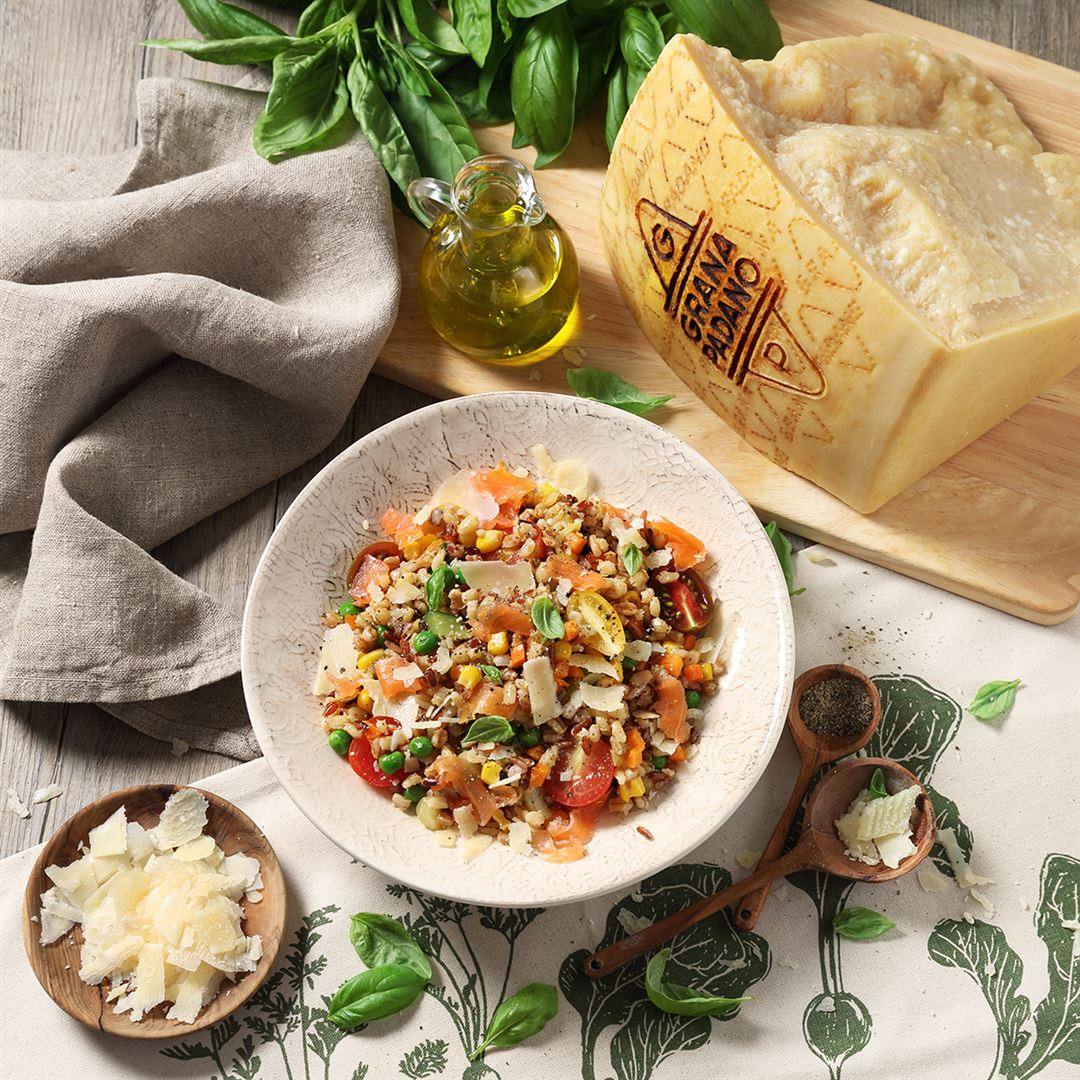 Barley Salad with Vegetables, Smoked Salmon and Grana Padano