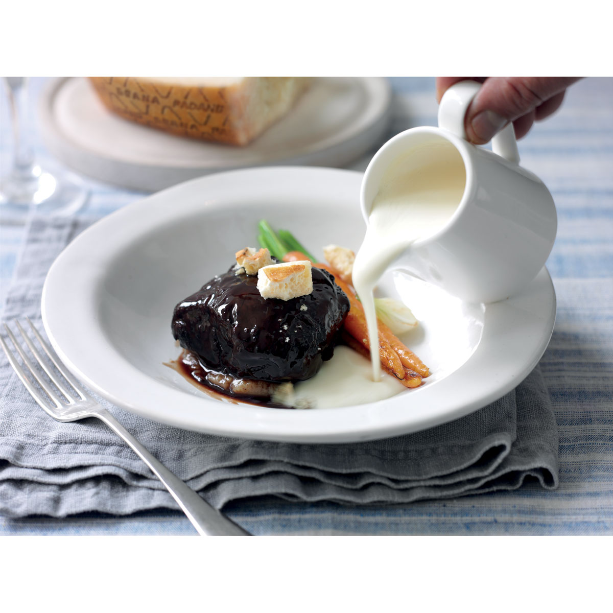 Braised beef cheeks with Grana Padano fondue
