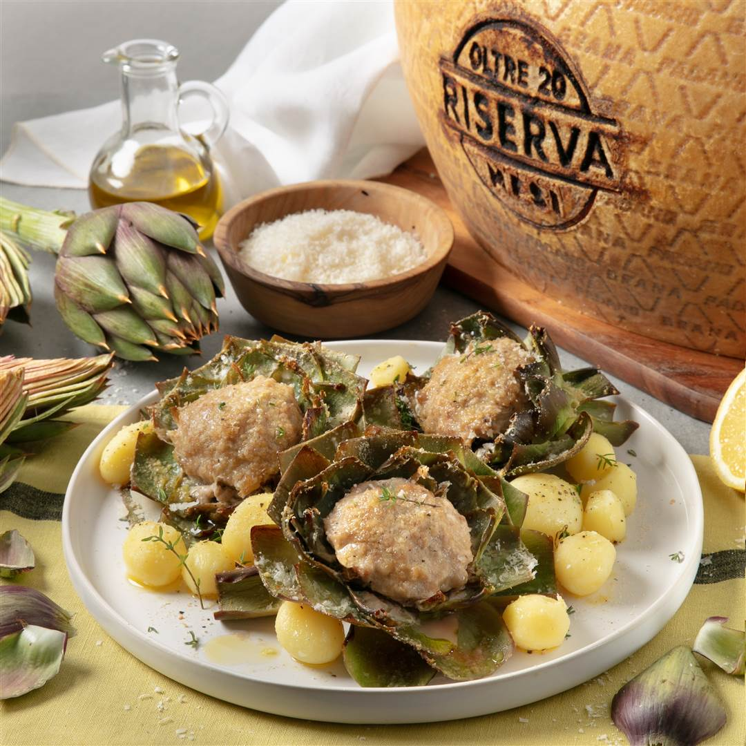 Baked artichokes stuffed with mince, breadcrumbs and Grana Padano Riserva