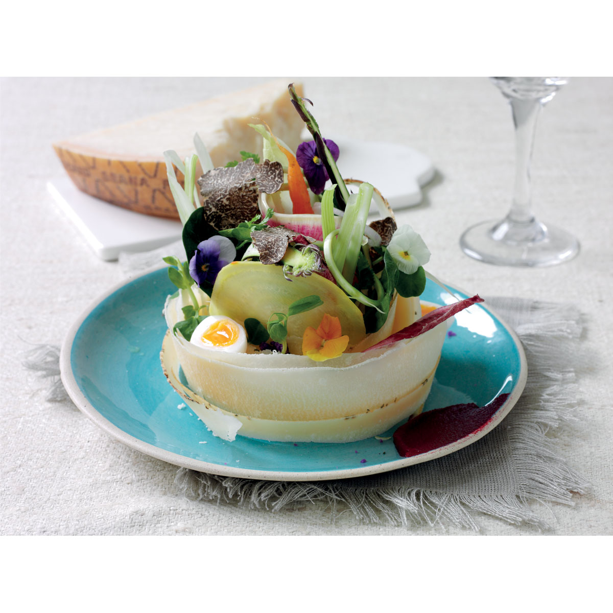 Summer salad with Grana Padano shavings